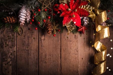 Weihnachten Grenze Design mit roten und goldenen Kugeln