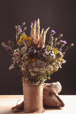 bagging: Wildflowers in the bagging vase on a table