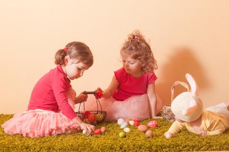 egg hunt: Girls on an Easter Egg hunt