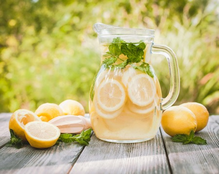 limonada: Limonada en la jarra