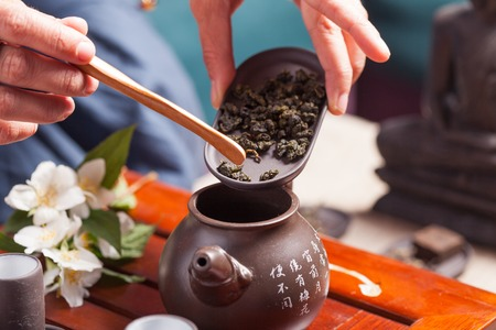 oolong tea: Chinese tea ceremony - sands of oolong tea