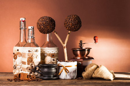 coffeetime: Bottles decorated with coffe beans, cinnamon and lace