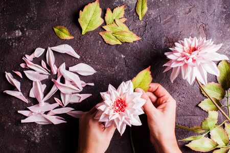 DIY making realistic flowers from foam material