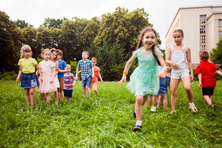 The children had an exciting race outdoors Archivio Fotografico
