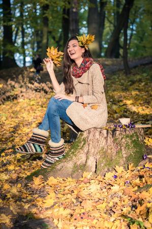 stroll: girl in autumn Park