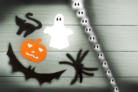 silueta de gato: Halloween paper silhouette of different characters