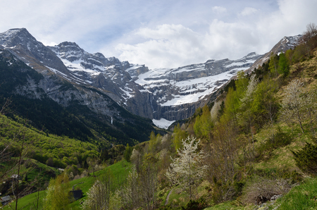 cirque: Spring mountains are photographed in the valley to the cirque of Gavarnie.