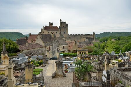 extant: The extant medieval castle is on the cliff in the ancient French town Beynac-et-Cazenac.