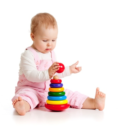 juguetes de madera: nena hermosa con el color de juguetes educativos