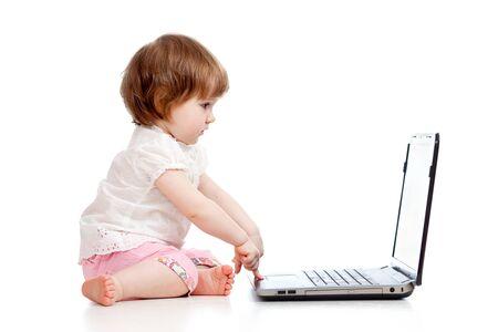bambino carino utilizzando un computer portatile Archivio Fotografico - 14652208