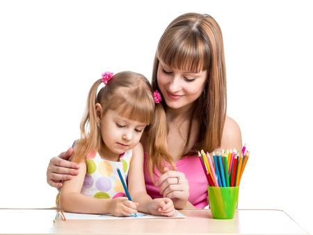 teaching crayons: madre e il suo bambino matita ragazza insieme