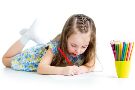ni�os con l�pices: Lindo chico de dibujo con l�pices de colores