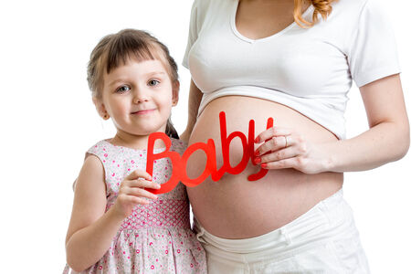 child and her pregnant mother