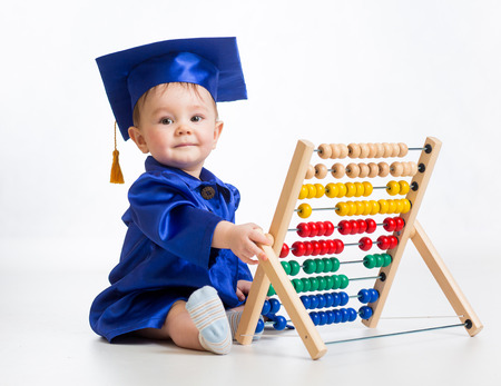 birrete de graduacion: Bebé de aprendizaje temprano Foto de archivo