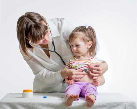 urgent care: doctor examining kid girl