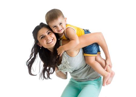 乳幼児: かわいい母親と赤ちゃんの楽しい時を過す