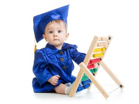 early learning: Juegos del cabrito con el juguete �baco. Concepto de aprendizaje temprano del beb�