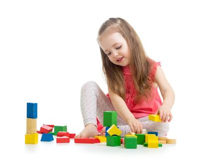 Kind Junge Kind Mit Farbe Würfel Spielzeug Auf Dem Boden Spielen ...