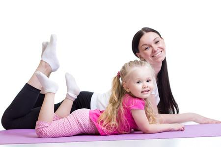 예를 들어, 여자와 아이 소녀 함께 운동으로 건강한 생활 교육