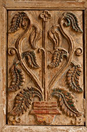 marqueteria: talla antigua de la puerta en Turquía, Göreme