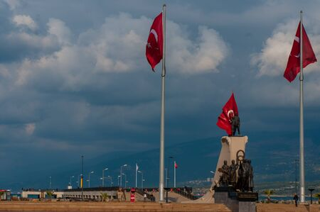 obelisk stone: Iskenderun, Turkey, the main square and a monument on the Mediterranean coast