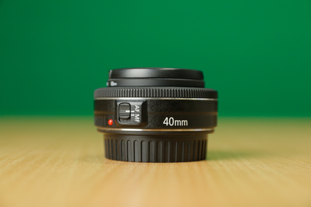 The Compact Photo Lens