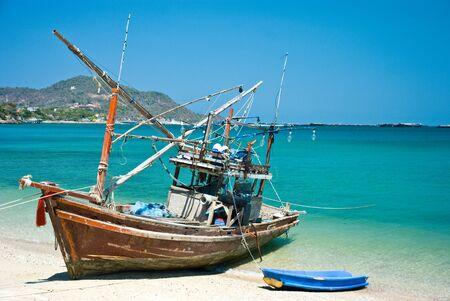 koś: Red Boat at Ko Si-Chang