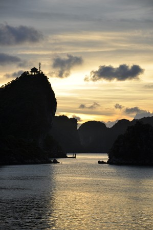Fantastic view of the Halong Bay Stock Photo - 8138065