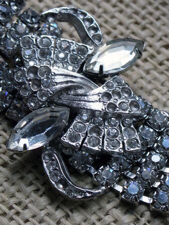 faux: Argento neckalce con strass e diamanti falsi