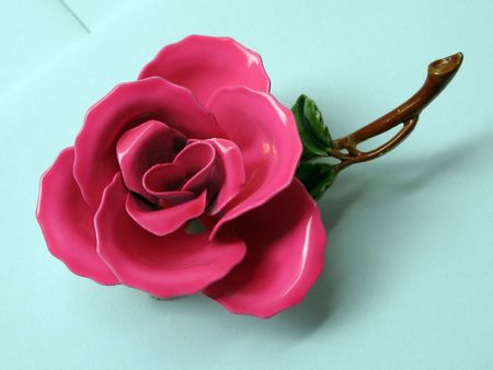 bakelite: Pink Bakelite Rose Jewelry with leaves and stem