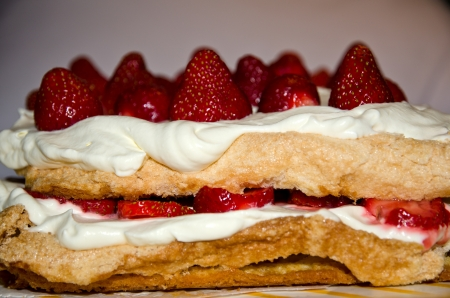 Strawberry cake Stock Photo - 14007274