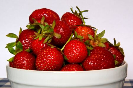 Bowl of strawberry Stock Photo - 14191688