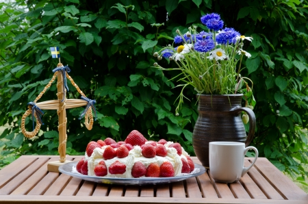 midsummer pole: Strawberry cake at midsummer Stock Photo