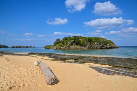 Tropische Küste der japanischen Insel Iriomote, einer der südlichen Inseln unter den Yaeyama Inseln Lizenzfreie Bilder