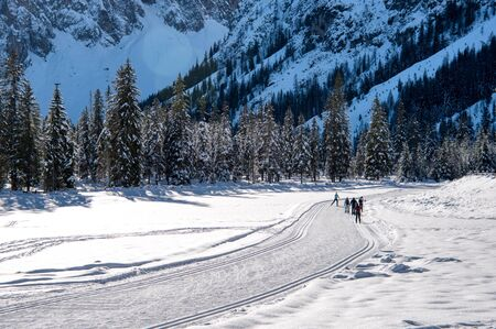 Cross-country skiing on the slopes of Val Fiscalina