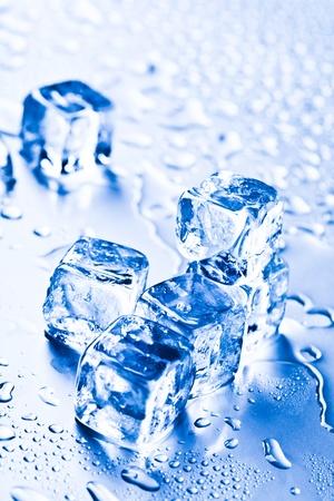 cubetti di ghiaccio: cubetti di ghiaccio Archivio Fotografico