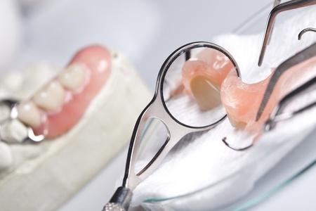 dentadura postiza: Revisi�n dental y cuidado de la salud Foto de archivo