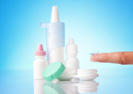 lentes de contacto: gotas para los ojos y lentes de contacto hygeine