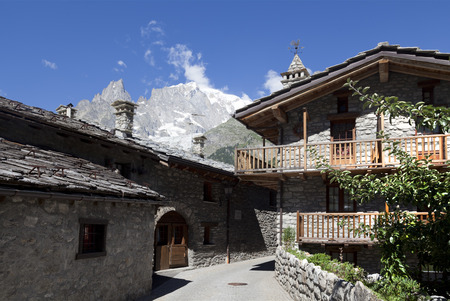courmayeur: Entreves (Courmayeur), a beautiful village with new monte bianco skyway