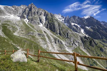 hiking in the Mona Blanc area
