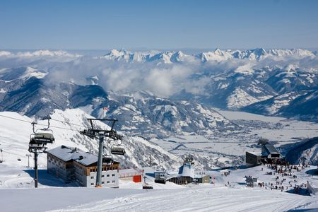 ski lift: Ski lift and slopes in high mountains. Kaprun, Austria. Stock Photo