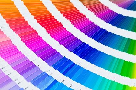 Ouvert pantone échantillonneur guide en couleur Banque d'images