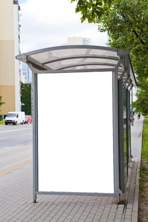 blank billboard: Blank Plakatwand auf dem Bus f�r Ihre Werbung zu stoppen Lizenzfreie Bilder