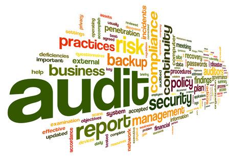 Auditoría y cumplimiento en la palabra nube de etiquetas en blanco Foto de archivo