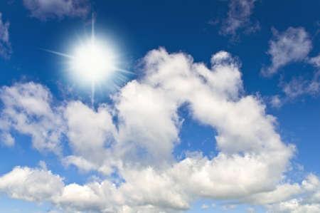 Sun in bright blue sky. Cloudscape Zdjęcie Seryjne