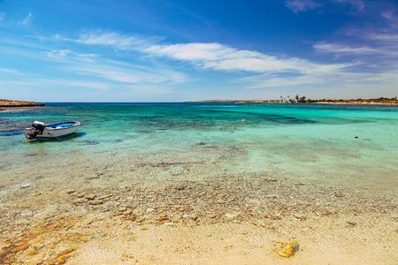 Beautiful landscape near of Nissi beach and Cavo Greco in Ayia Napa, Cyprus island, Mediterranean Sea. Amazing blue green sea and sunny day. Banco de Imagens