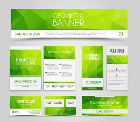 Het ontwerpen van brochures en kaarten met groene veelhoekige elementen. Corporate Identity, Reclame afdrukken. illustratie. set