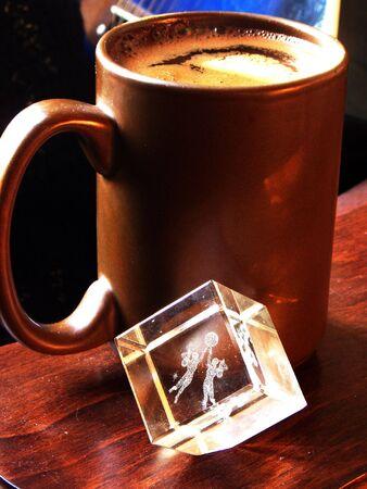 Kopje koffie en kristal met de tekens van Zodiac Stockfoto - 2051326