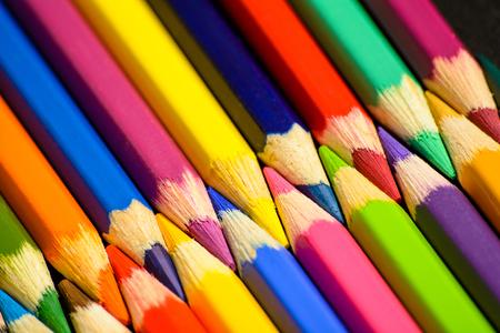 Bunte Bleistifte Nahaufnahmeansicht.