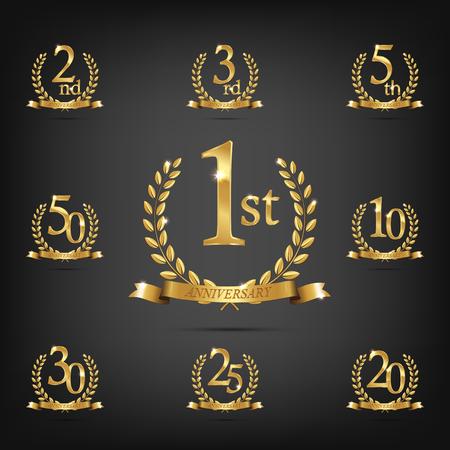 Conjunto de símbolo de oro de aniversario. Guirnaldas de laurel de oro con cintas y símbolos de año de aniversario sobre fondo oscuro. Elemento de diseño de aniversario de Vector Ilustración de vector